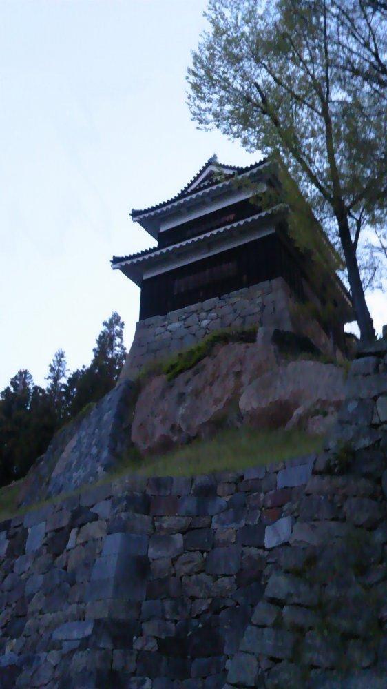 早朝の上田城